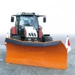 sniega lāpstas traktoriem, frontālajiem iekrāvējiem un smagajām mašīnām